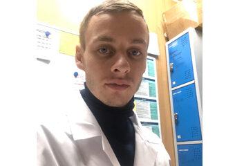 специалист по работе с ЮР. лицами Анатолий